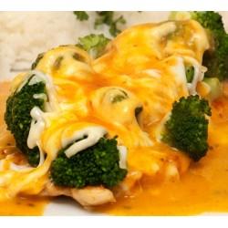 150g Kuřecí prsa s brokolicí gratinovaná sýrem zalitá lehce pikantní máslovo- bylinkovou omáčkou, obloha