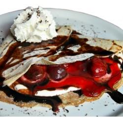 Palačinka  ARA s jahodami, tvarohem, Ara čokoládou a vanilkovou zmrzlinou
