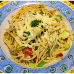 300g Aglo Olio (česnek, chilli paprička, sýr)
