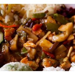 150g Kung-pao pikantní (směs čínské zeleniny s ananasem na zázvoru a chilli, arašídy, sójová omáčka)